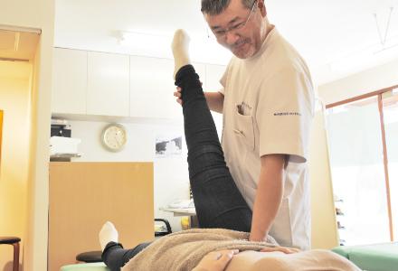 体全体を心地よくほぐして、施術の効果を最大限に高めます。